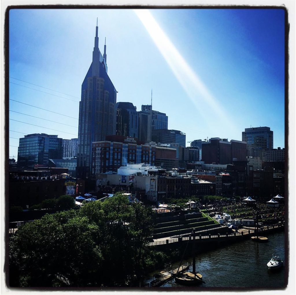 nashville you beautiful city! batmanbuilding nashvilletn cmafest