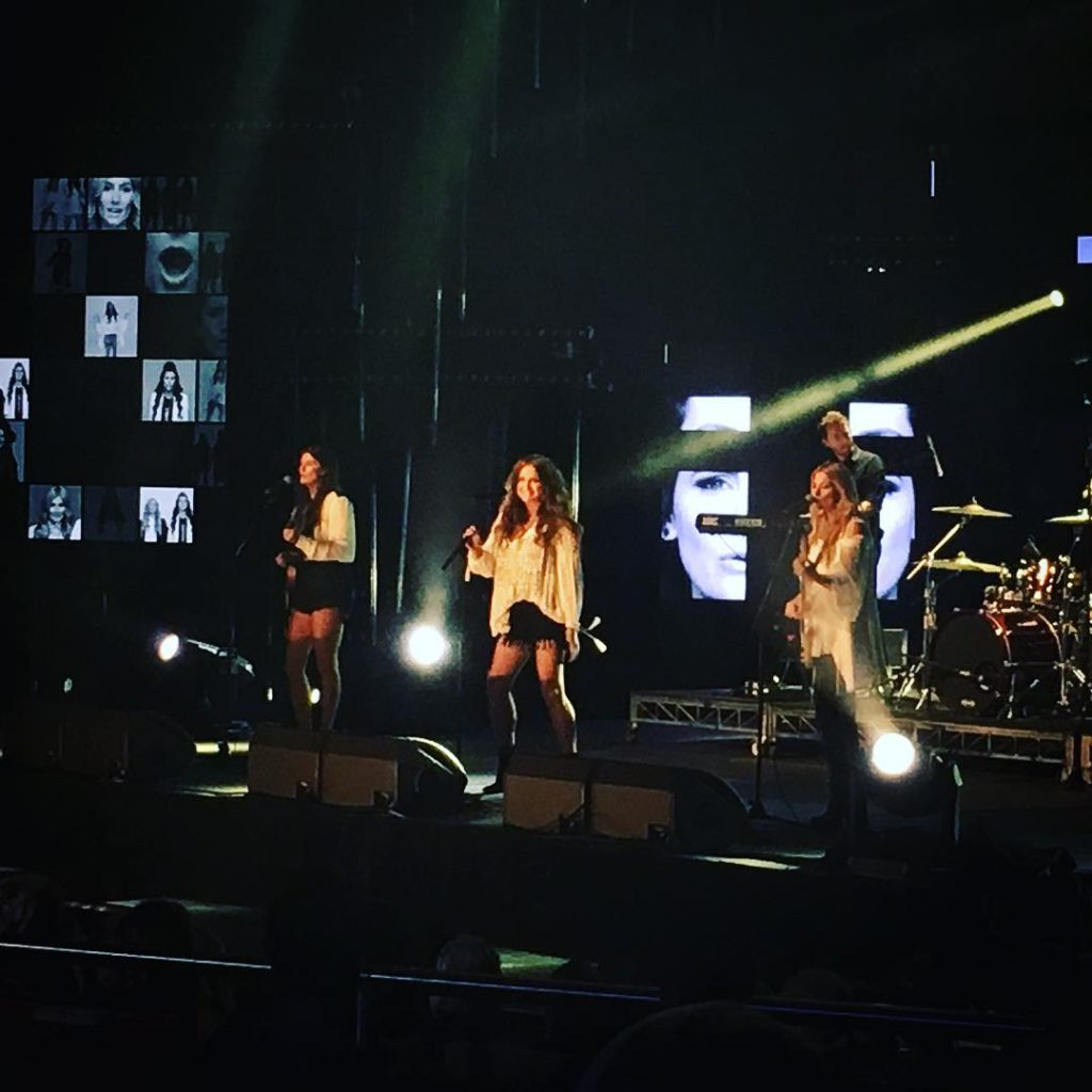 themcclymonts absolutely shon at the cmcaustralia cmcawards last night hellip
